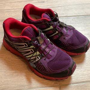 Salomon women's running shoes size 9